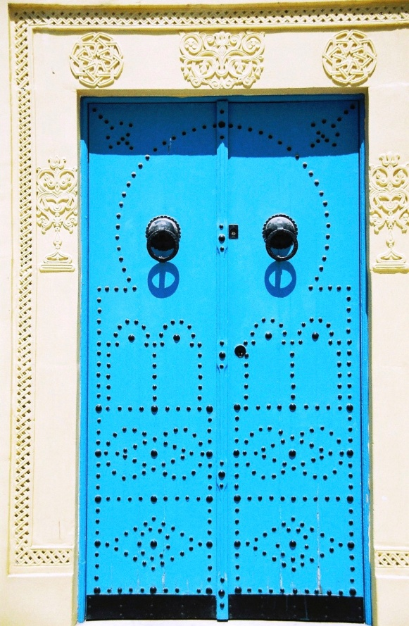 Travel Diary: Sidi Bou Said, Tunisia | Gypsy Rova Travels